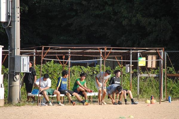 中学生VSスタッフサッカー対決★